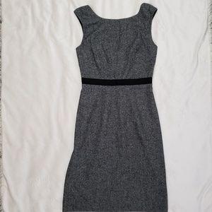 Club Monaco Textured Shift Dress sz. 4